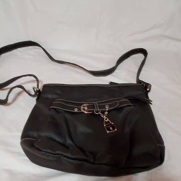 Rosetti Handbags - Black zippered purse by Rosetti